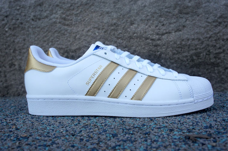 adidas superstar metallic gold stripes