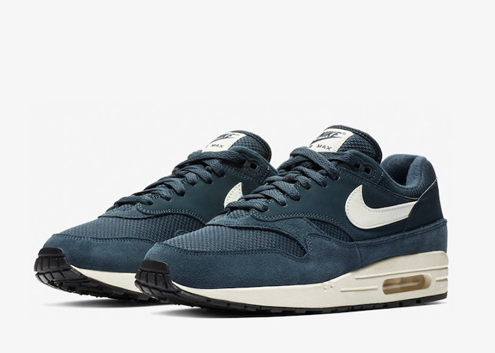 Nike-Air-Max-1-armory Navy-AH8145-401-03